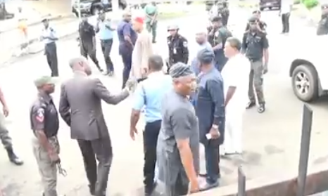 Benue House of Assembly members scale fence to enter their office as police lay seige on office complex (photos/video)