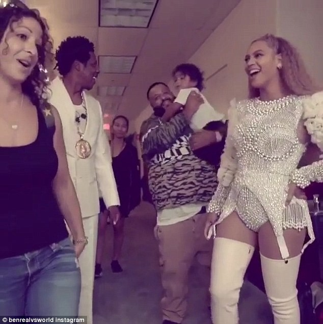 Beyonce and Jay-Z hang out backstage with DJ Khaled and his family at their On the Run II Tour (Photos)