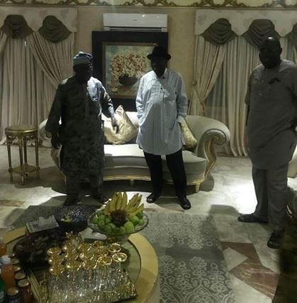 Election 2019: Former Presidents Olusegun Obasanjo and Goodluck Jonathan hold closed door meeting in Bayelsa (Photos)