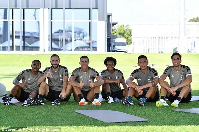 Cristiano Ronaldo meets his new team-mates as he trains for the first time - Image ~ Naijabang