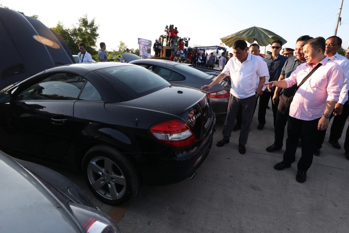 Ode man! President Duterte crushes $5.5m of luxury cars as part of his fight against corruption in Philippine (Photos/Video)