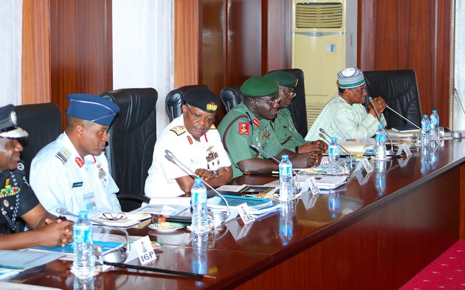 President Buhari holds security briefing with service chiefs (Photos)