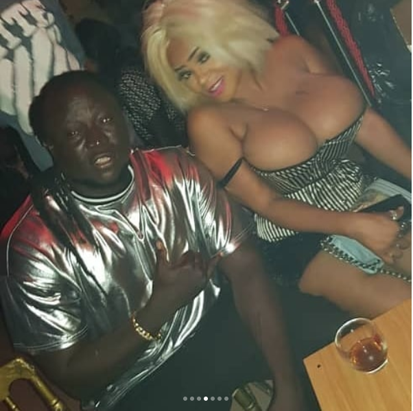 Cossy Orjiakor parades her jaw-dropping boobs at a party (Photos)