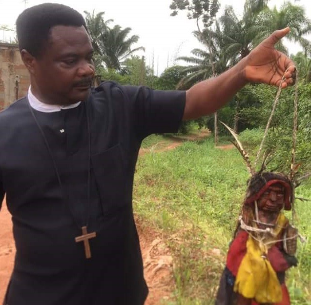 Pastor shows off evil deity he physically