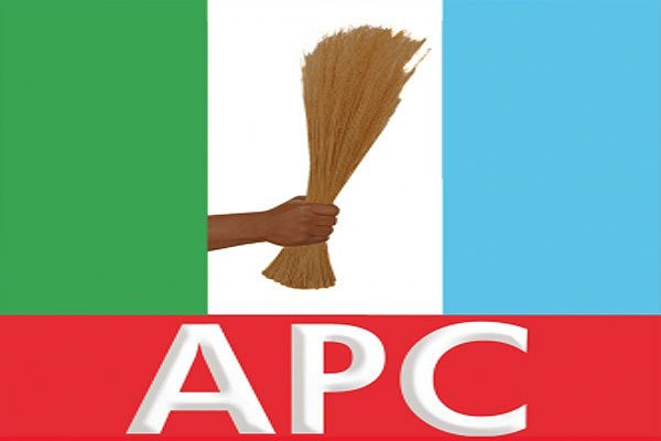 10 APC exco members and over 6000 party members defect to ADP in Osun