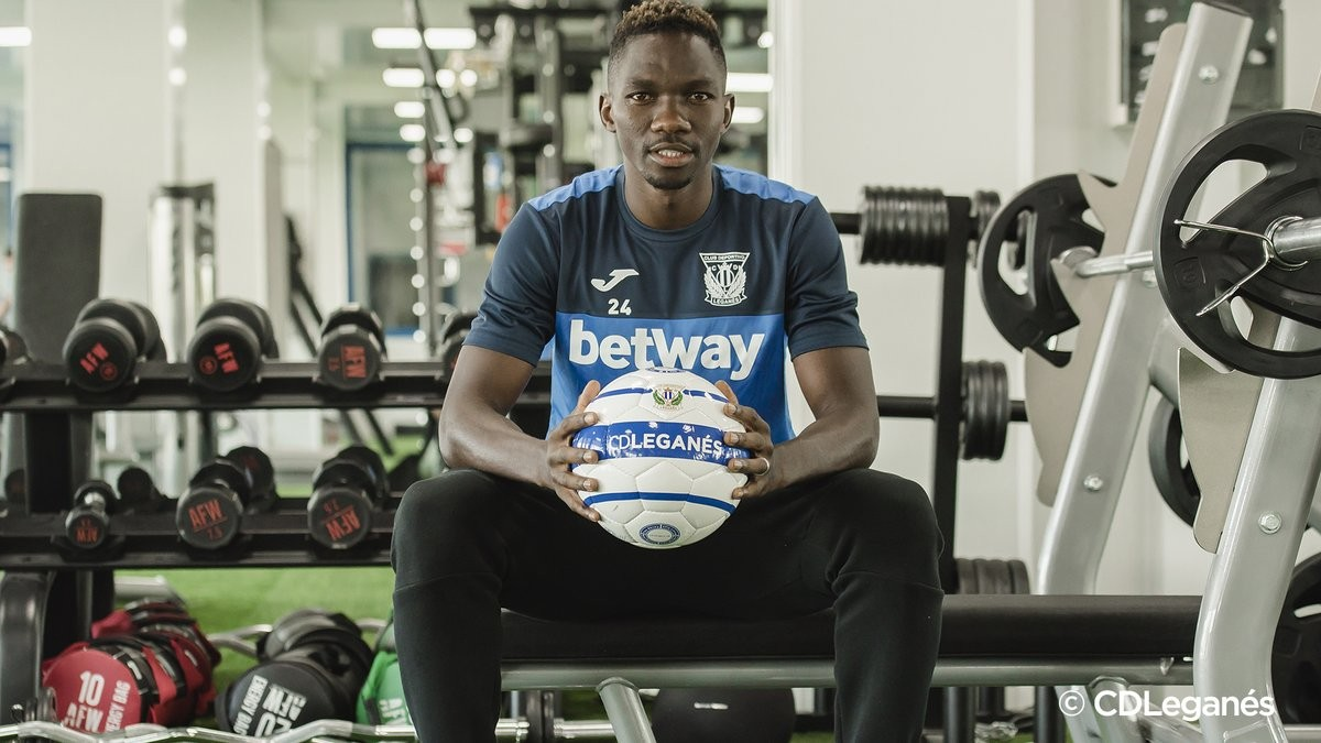 Super Eagles star Kenneth Omeruo joins Spain