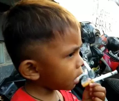 2-year-old chain smoker takes up to 40 cigarettes a day after getting hooked from butts on the street
