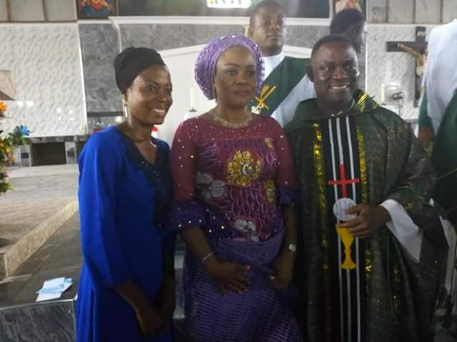 Benue first lady gives automatic employment to woman who voluntarily teaches the physically challenged in church