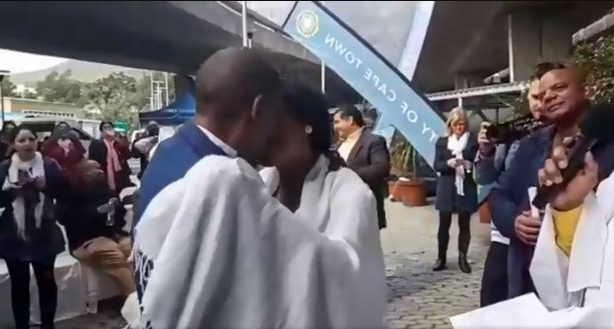 Homeless couple finally wed under the bridge after 30 years together