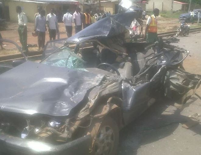 Auto crash in Niger state kills 11 people and leaves 16 injured?