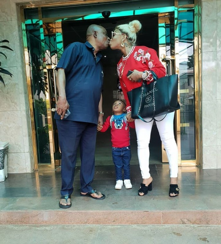 Tonto Dikeh and her daddy kiss on the mouth as she says that if he could raise her alone, she can also raise King alone