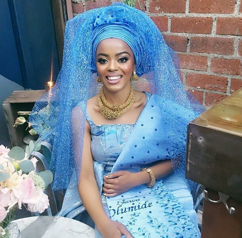 SHOCKING !!!:  Yoruba lady narrates how she avoided kneeling for husband during traditional marriage and Nigerian men are angry about it