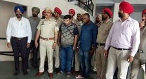 Nigerian among two arrested with 400g heroin in India