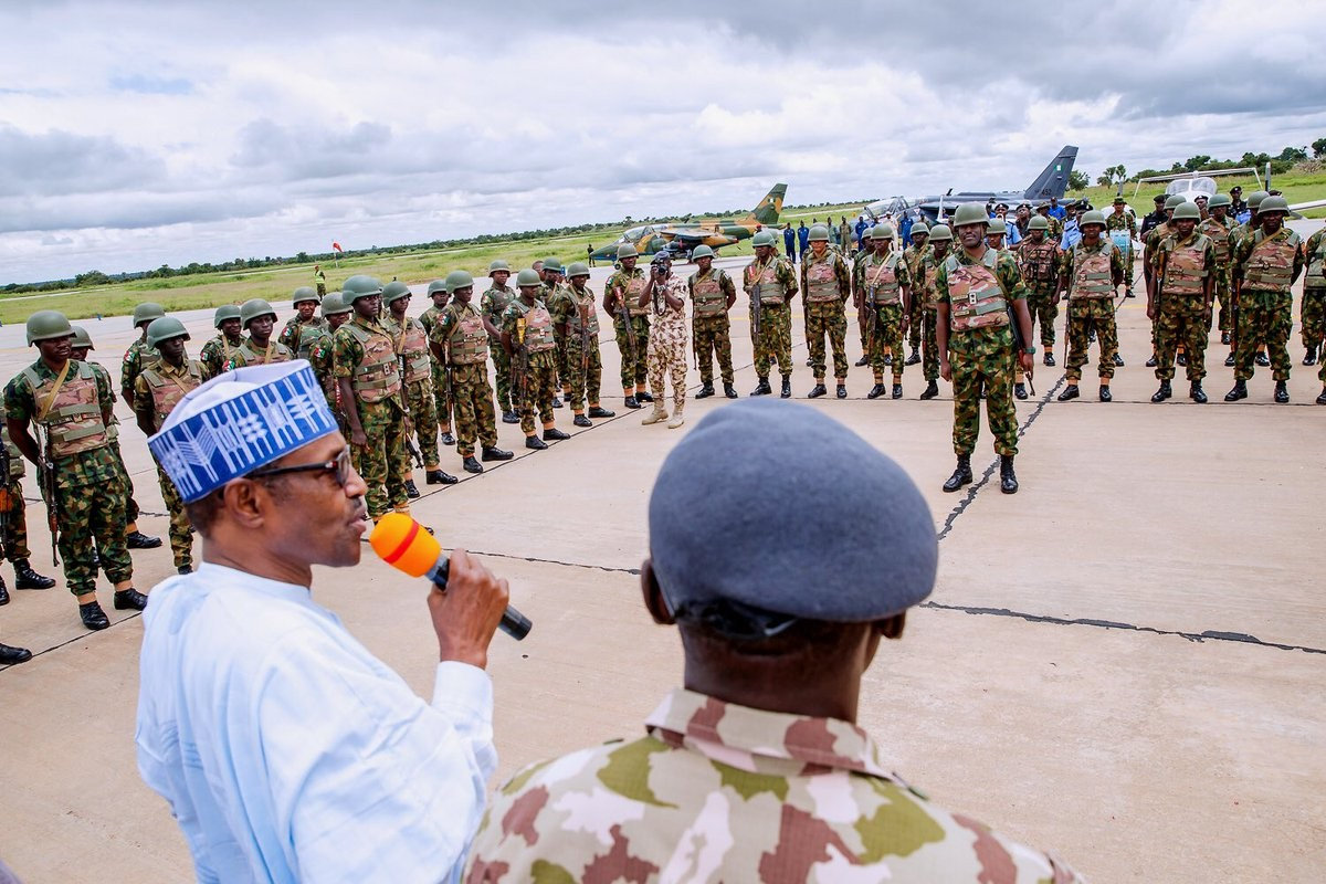 President Buhari pays surprise visit to troops in Katsina, urges them to be as ruthless as humanly possible