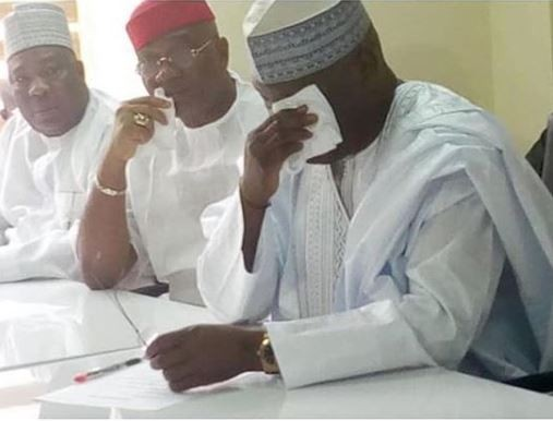 Photos: Atiku breaks down in tears as he obtains his PDP presidential application form