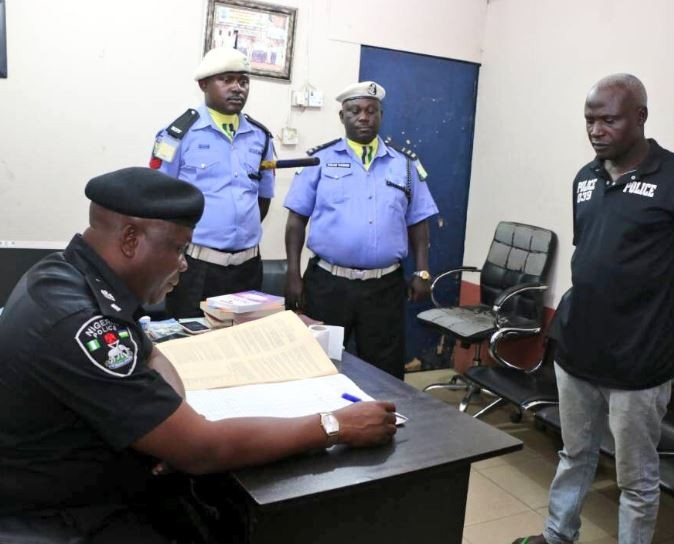 SARS official dismissed over N5,000 extortion while three other?accomplices had their ranks reduced (Photos)