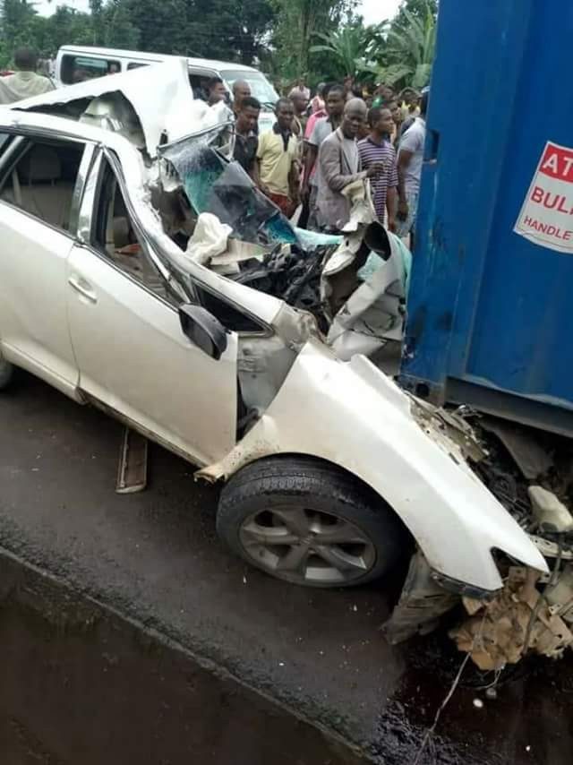 Female FUTO student, one other crushed to death in fatal accident along Owerri-Onitsha Road