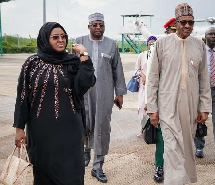 Twitter user says Aisha Buhari was carrying a $80k hermes birkin bag as she joined president Buhari on his trip to China, while his daughter had a $35k hermes bag(photos)
