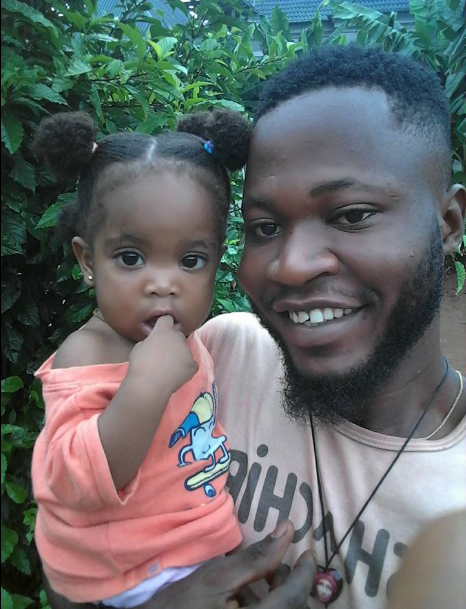 "Young father cries on Facebook after his daughter dies of an illness, says ""My world"