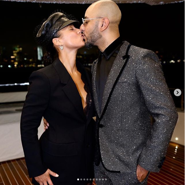?Alicia Key and Swizz Beatz lock lips together as they celebrate his 40th birthday inside a luxury yacht ( Photos)