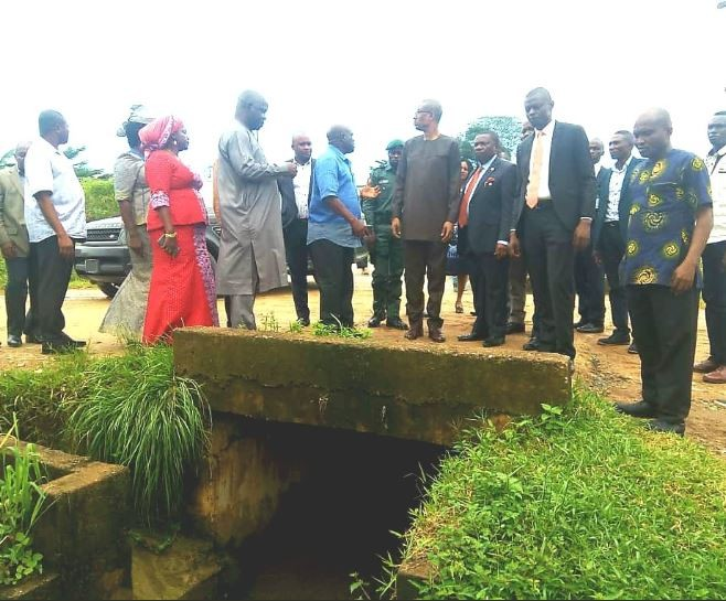 Twitter drags Minister of Industry, Trade and Investment, Okechukwu Enelamah for commissioning gutter and gully erosion projects (Photos)