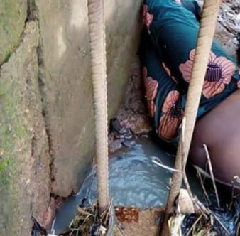 Graphic: Unidentified body of woman with mouth gagged allegedly found close to Redeemed Church in Kaduna