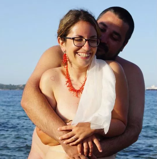 Naturist couple have naked wedding wearing just a veil and a bow tie (photos)
