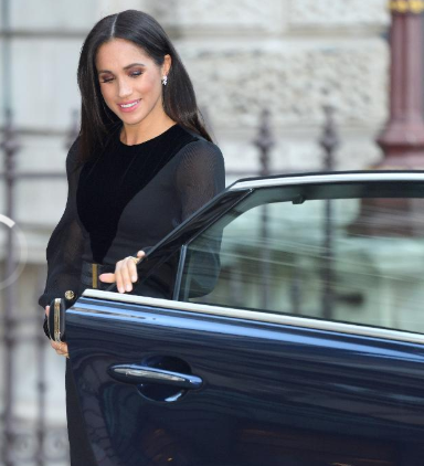 Meghan Markle caused a stir at solo engagement by doing something Kate Middleton and The Queen never do (video)