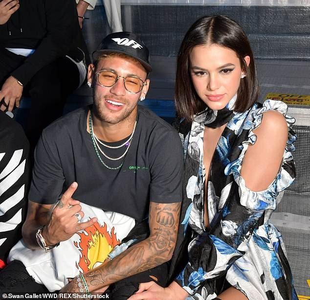 Neymar attends Paris Fashion Week with glamorous girlfriend Bruna Marquezine (Photos)