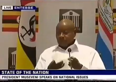 Ewwww! Watch the disgusting moment Ugandan President?Yoweri Museveni
