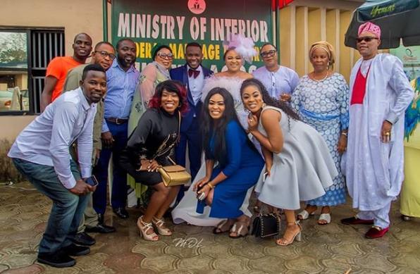 Actress Abimbola Ogunnowo gets married to her filmmaker lover (photos)