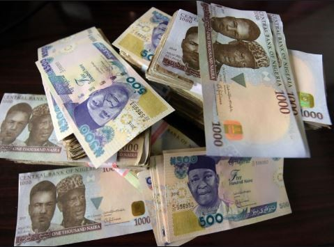 CBN bans spraying of money In parties across Nigeria, says those caught are liable to be jailed of pay 50k fine