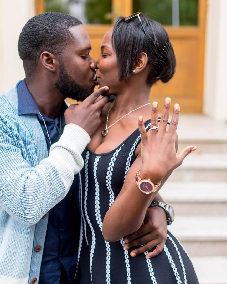 Awwwww.......Man weeps as he proposes to his girlfriend whom he met on Facebook a year ago(photos)