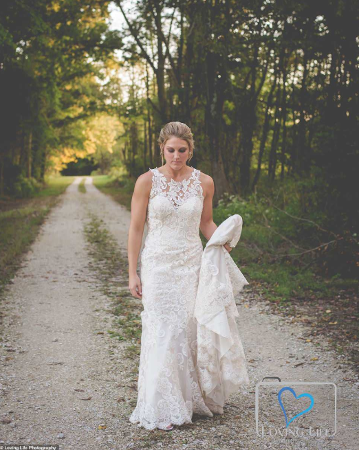 Grieving bride wears wedding dress to fiance