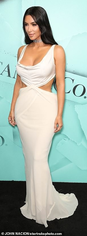 Kim Kardashian goes braless in revealing outfit as she arrives at Tiffany party in NY (Photos)