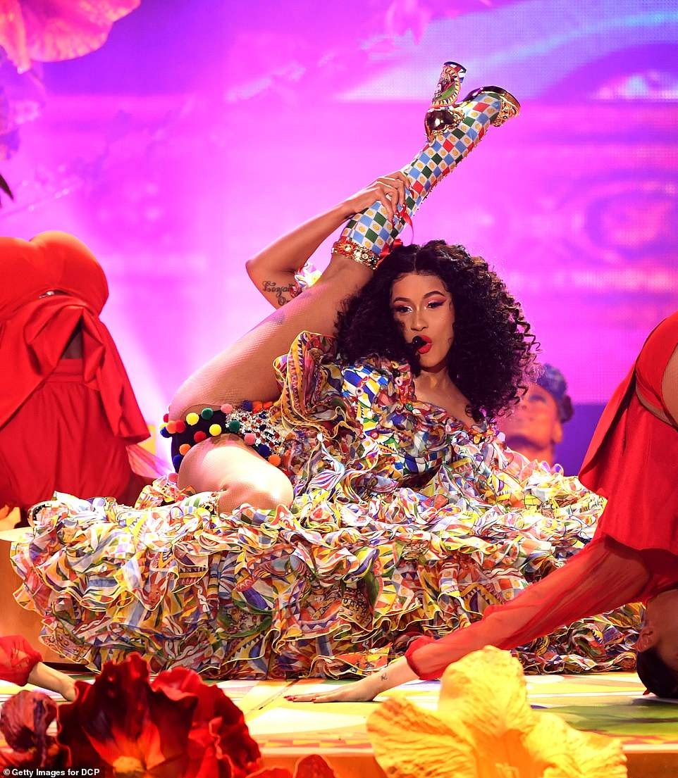 See The Amazing Cardi B Performance Photos At American Music Award 2018