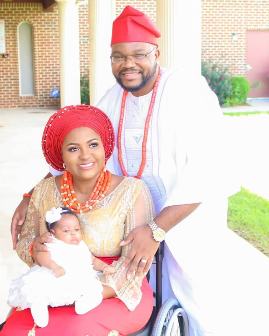 Physically challenged blogger, Lizzy and hubby dedicate their daughter in church (photos)