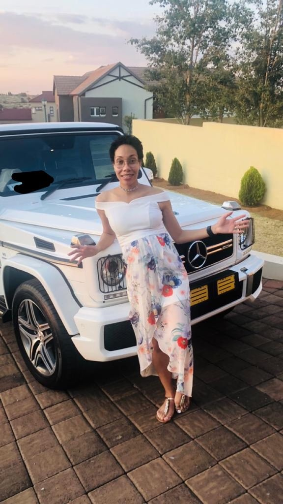 South African doctor gets a G Wagon as push present from her man