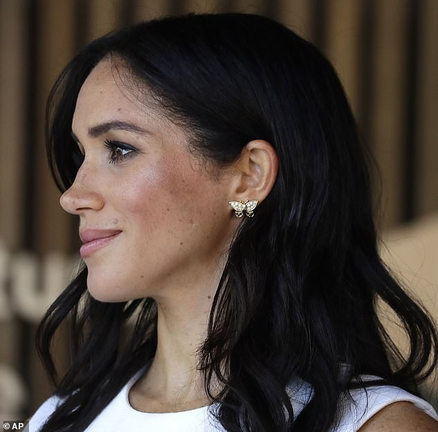 "Meghan""s touching tribute to Diana: Pregnant duchess honours the late princess by donning her bracelet and butterfly earrings (photos)"