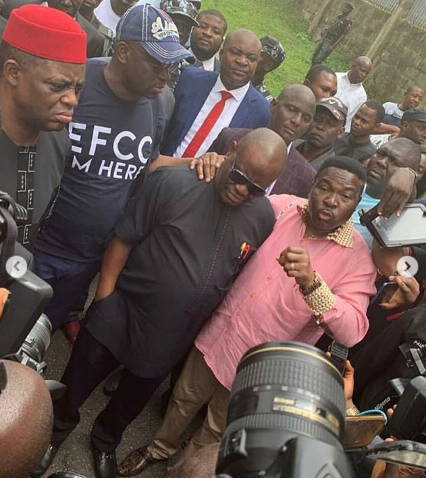 Photo/Videos: Wike, FFK, Ozekhome accompany Fayose to EFCC office