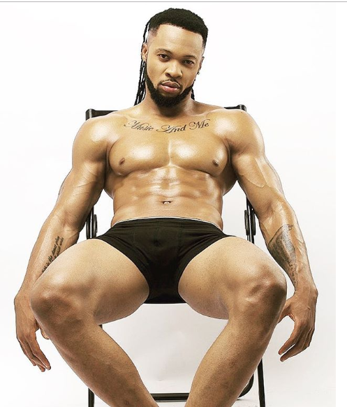 Flavour strips down to his briefs in new sexy photo