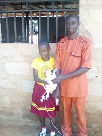 School in Anambra gifts best students goats for their excellent performance (photos)
