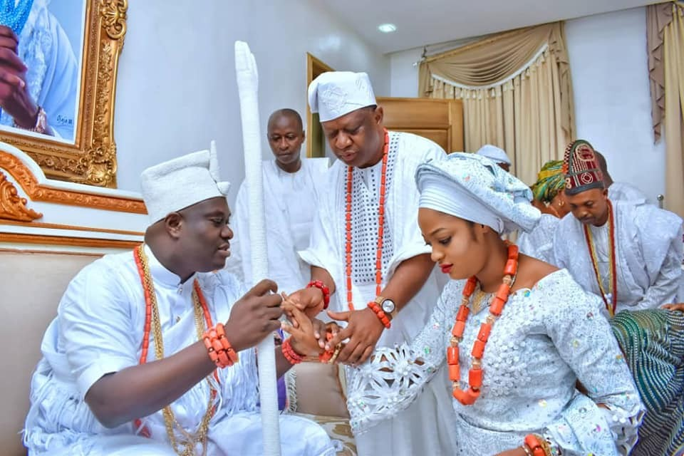 More photos of the Ooni of Ife welcoming his new bride to his palace