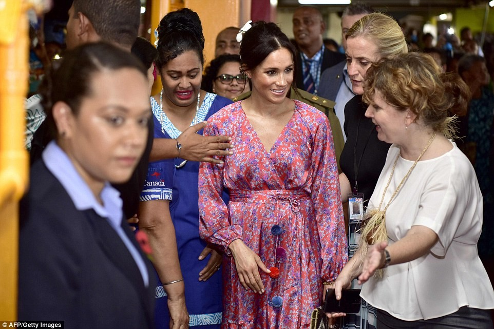 "Meghan Markle is rushed out of Fiji market due to ""security risk"""