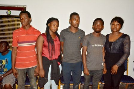 Photo of five corps members rescued by police after being kidnapped on their way to camp