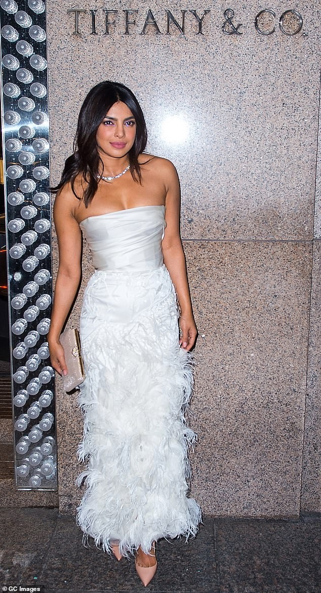 priyanka chopra looks lovely in white as she attends her bridal shower at tiffany