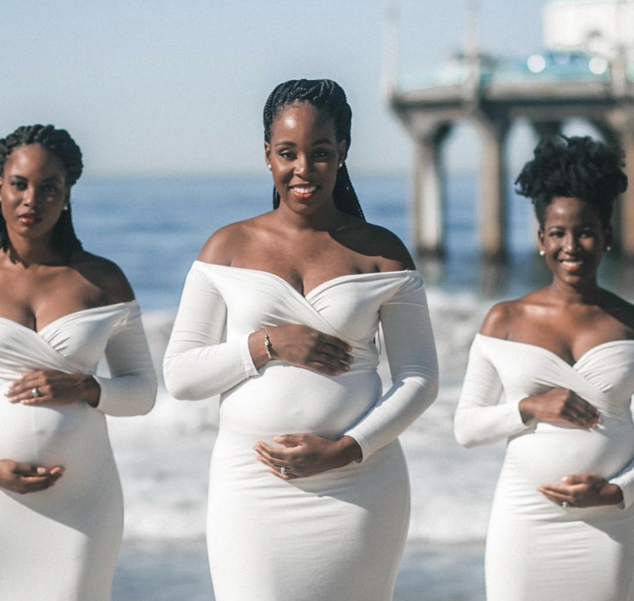 Beautiful maternity photos of 3 pregnant sisters