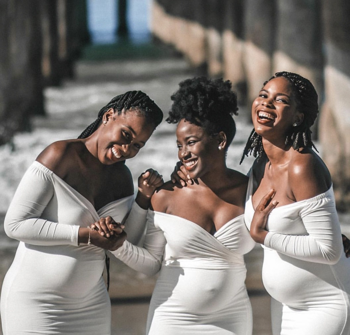 Beautiful maternity photos of 3 pregnant sisters