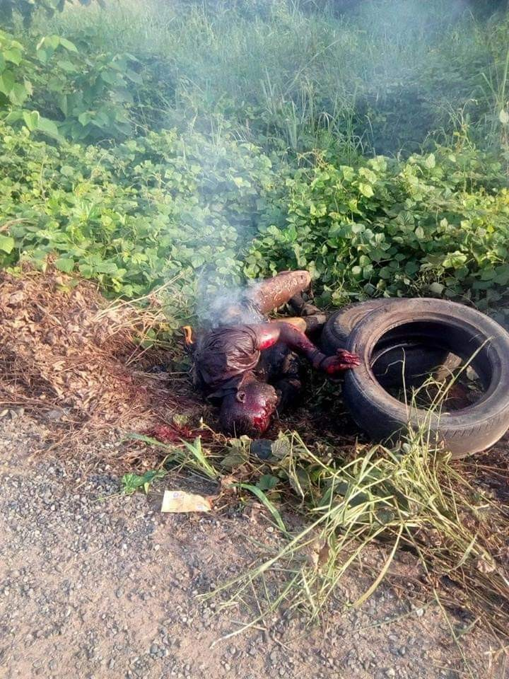 Photos: Man pretending to be insane burnt to death by mob after he was caught picking women