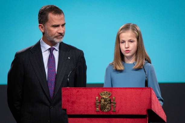 A Queen in training! Princess Leonor of Spain reads Article 1 of the Spanish Constitution as her father The King looks on with pride (photos)